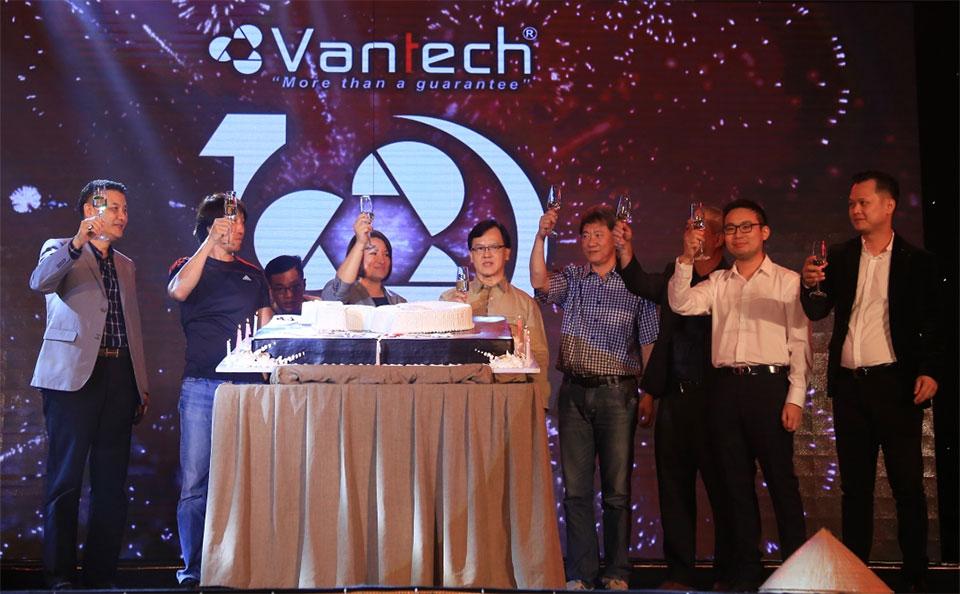 Mục tiêu Vantech Chiếm lĩnh 50% thị phần trong nước, mở rộng xuất khẩu ra ngoài khu vực ASEAN