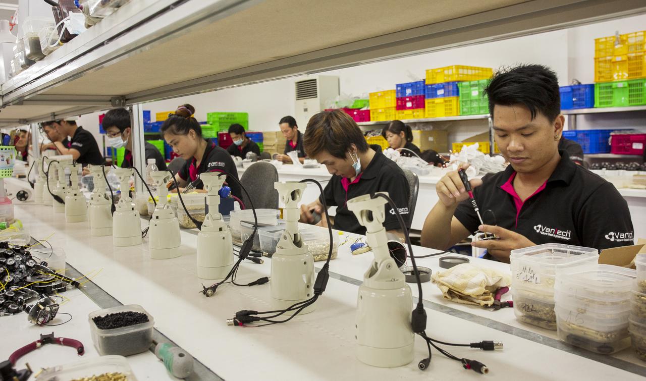 Đội ngũ nhân viên Vantech luôn đặt tiêu chí về chất lượng sản phẩm lên hàng đầu